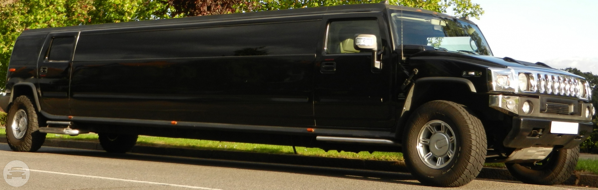 HUMMER H2 (BLACK) Hummer / Harwich, UK   / Hourly £0.00