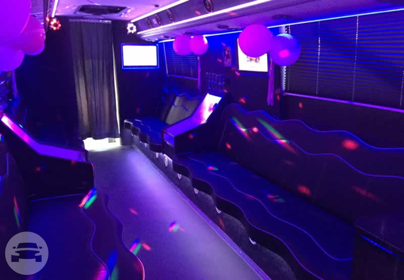 THE ULTIMATE PARTY VEHICLE Party Limo Bus / Watford, UK   / Hourly £0.00