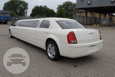 CHRYSLER 300 C STRETCH LIMOUSINE (VANILLA): Limo / Harwich, UK   / Hourly £0.00