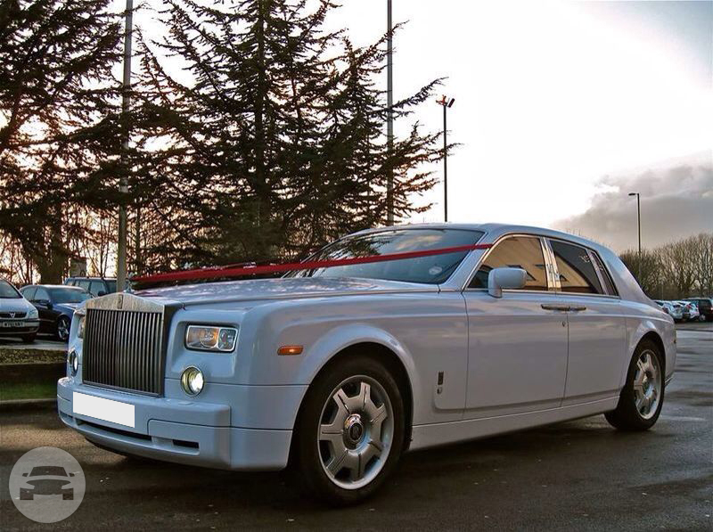 Rolls Royce Phantom (In White) Sedan / Luton, UK   / Hourly £0.00