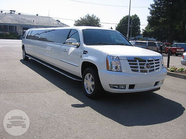 CADILLAC ESCALADE LIMOUSINE (WHITE) Limo / Stansted CM24 8JT, UK   / Hourly £0.00