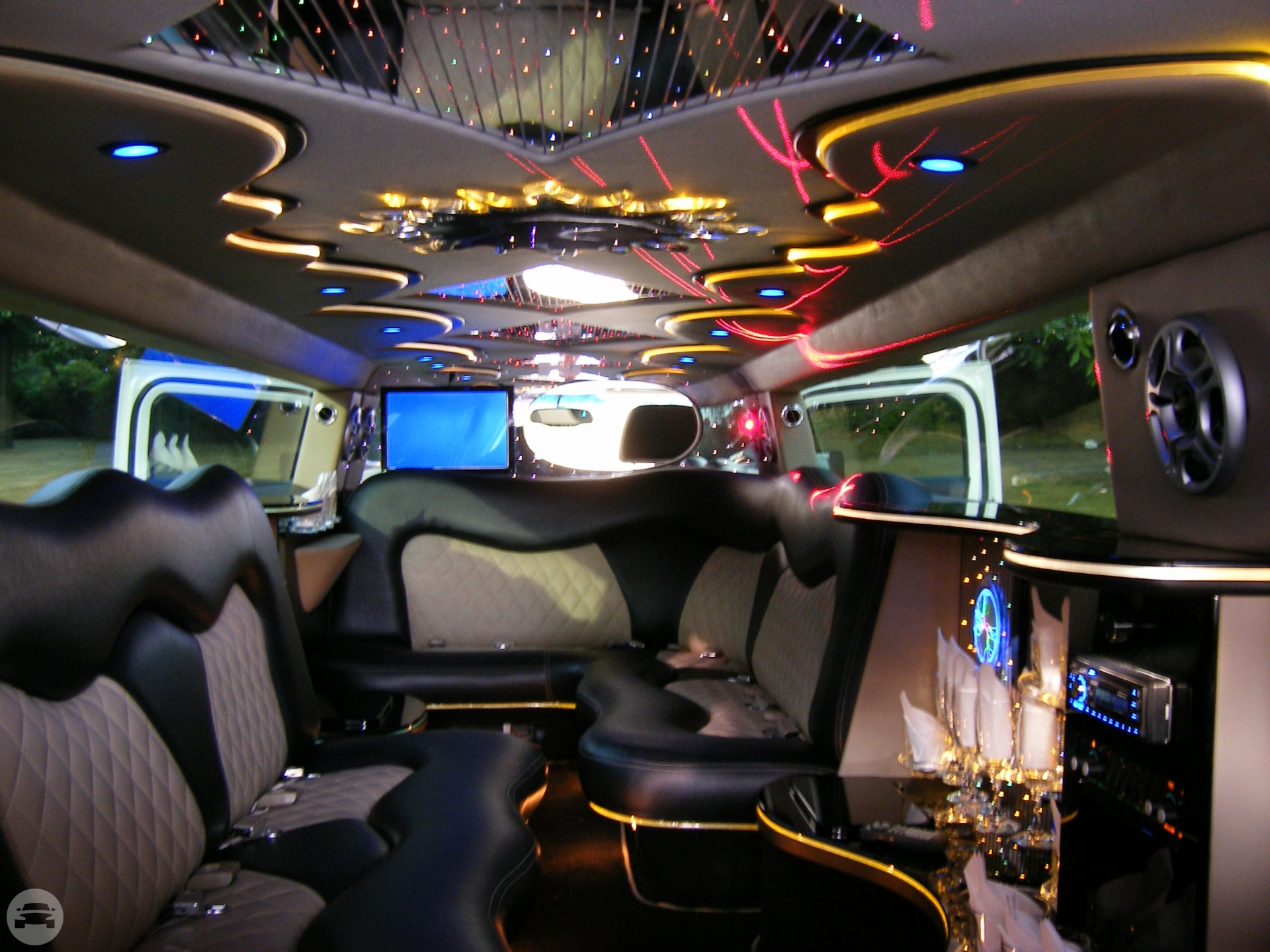 HUMMER H3 – (WHITE) (hummer limo hire london) Hummer  / Stansted CM24 8JT, UK   / Hourly £0.00