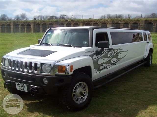 HUMMER H3 – (WHITE) (hummer limo hire london) Hummer  / Luton, UK   / Hourly £0.00