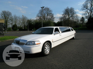 8 Seater White Lincoln Limousine Limo  / Surrey Heath District, UK   / Hourly £0.00