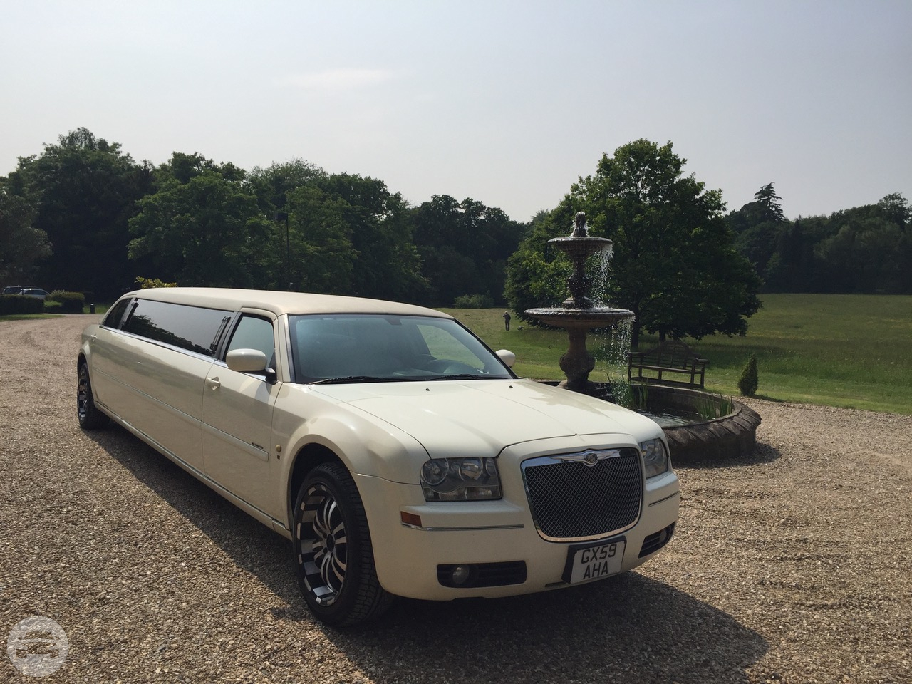 8 Seater Chrysler Limo Limo  / Surrey Heath District, UK   / Hourly £0.00