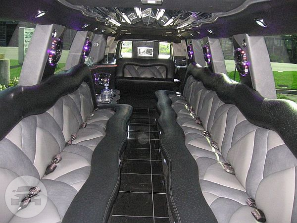 CADILLAC ESCALADE LIMOUSINE (WHITE) Limo / Harwich, UK   / Hourly £0.00
